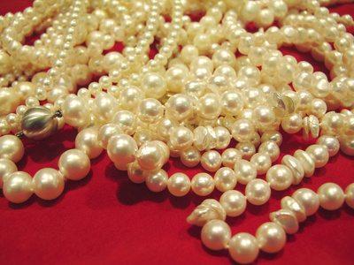 Pearls as Symbol